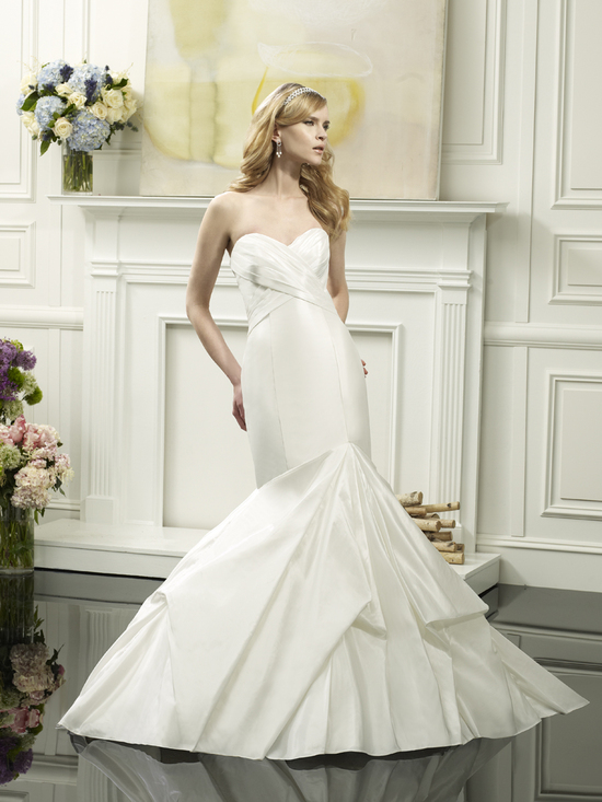 photo of Mermaid wedding gown from Val Stefani