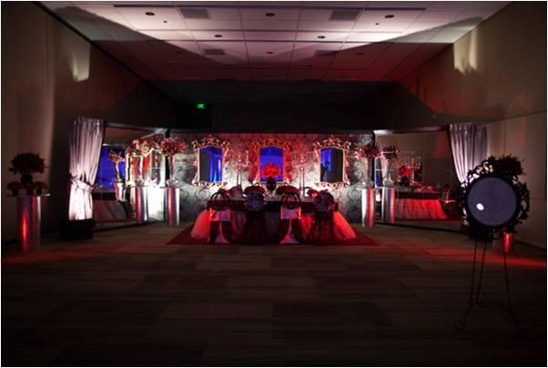 Elegant-wedding-reception-decor-wedding-flowers-ideas-royal-wedding.full