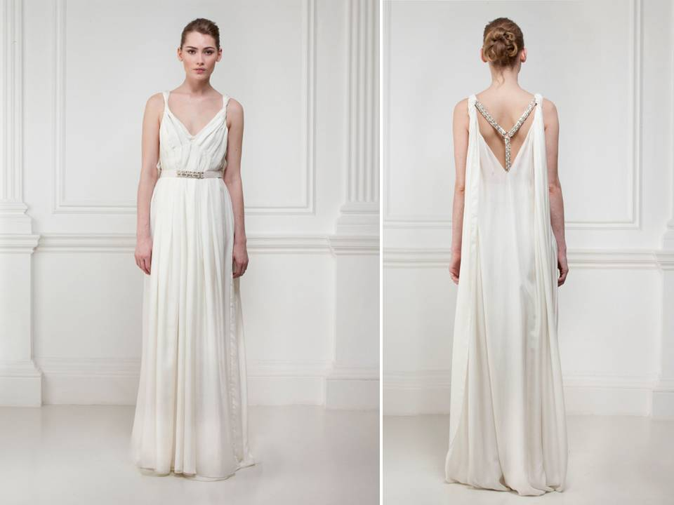 Feminine V-neck Ivory Wedding Dress With Open Statement
