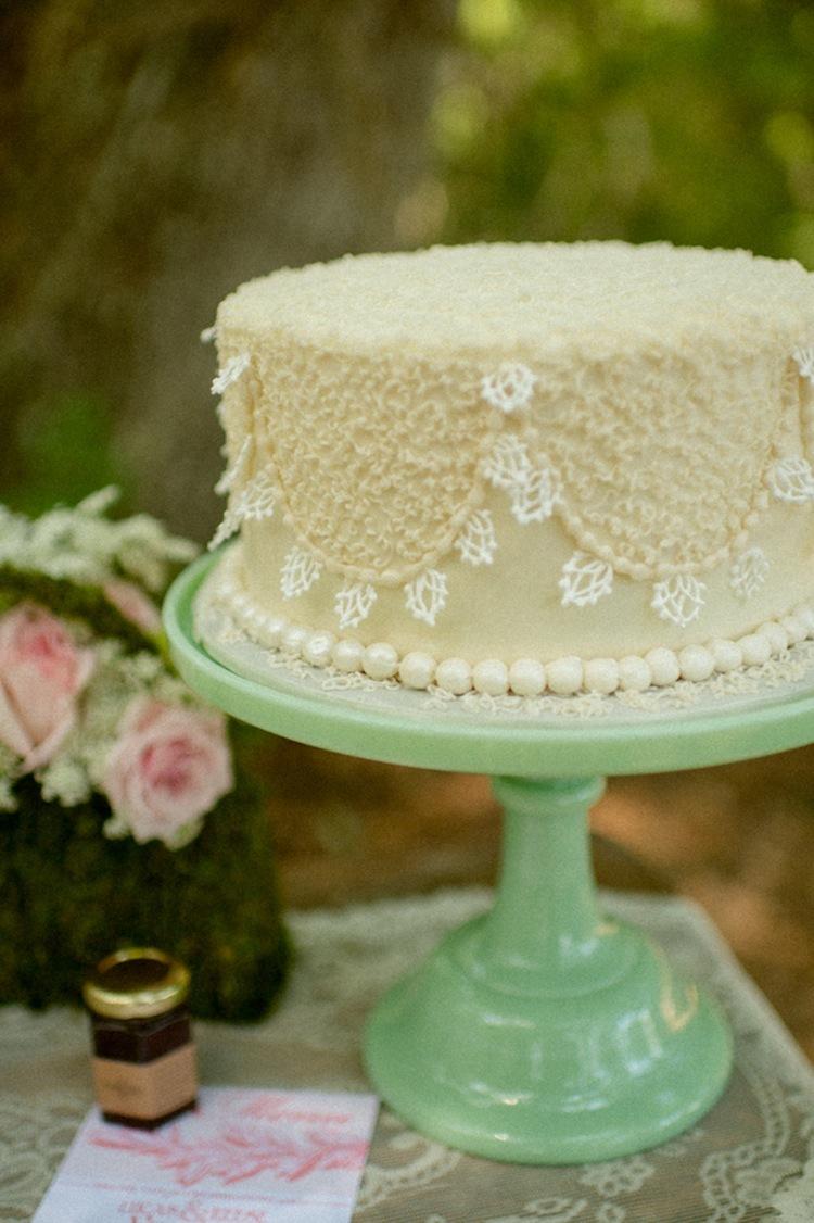 Scalloped_lace_cake.full