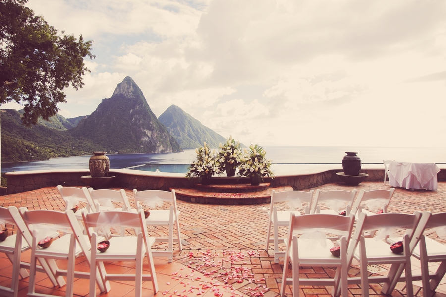 St_lucia_wedding_ceremony_overlooking_the_pitons.full