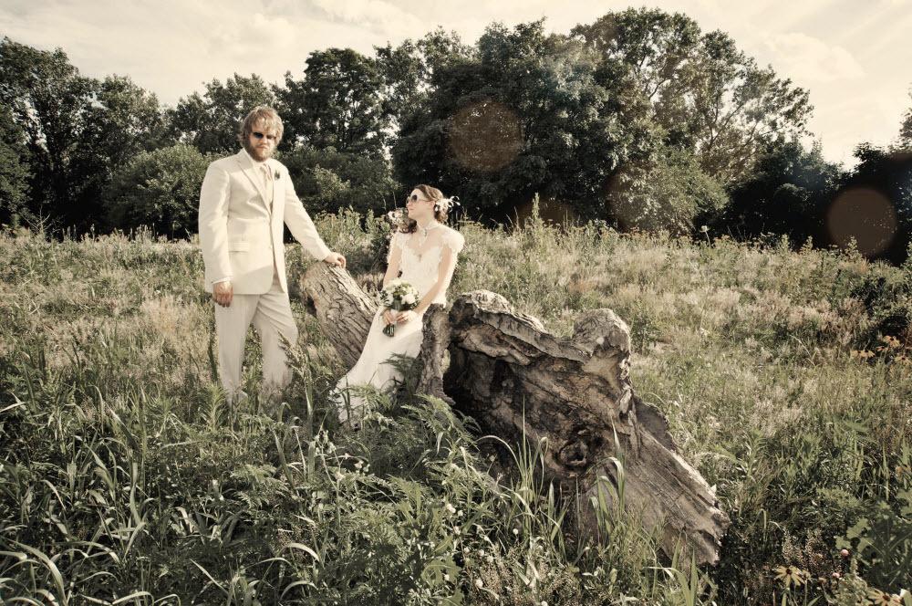 Retro-bride-and-groom-outdoor-wedding-photo.full
