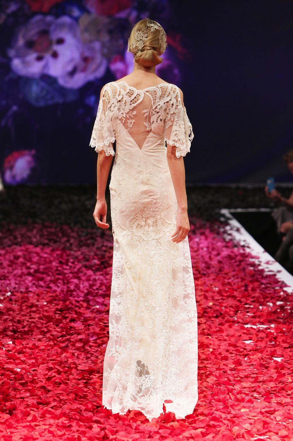 Amaryllis_by_claire_pettibone_2014_1.full