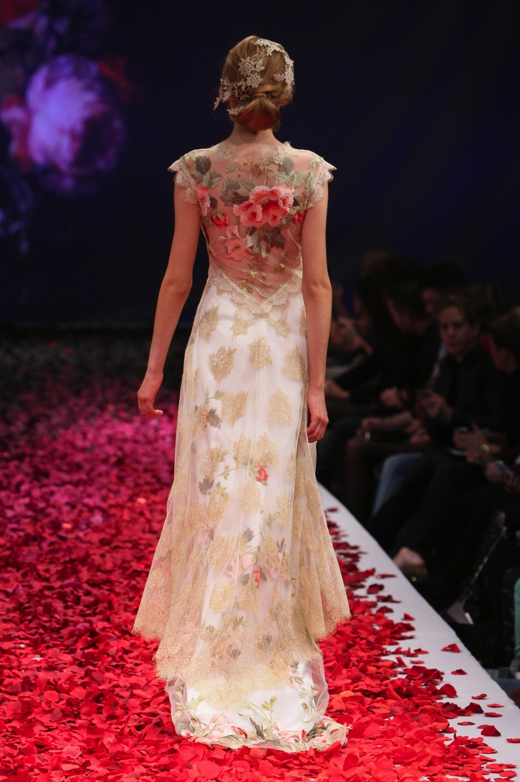 Hearts_desire_by_claire_pettibone_2014_1.full