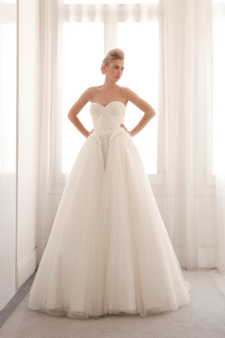 Tulle_ball_gown_wedding_dress_by_gemy_bridal.full