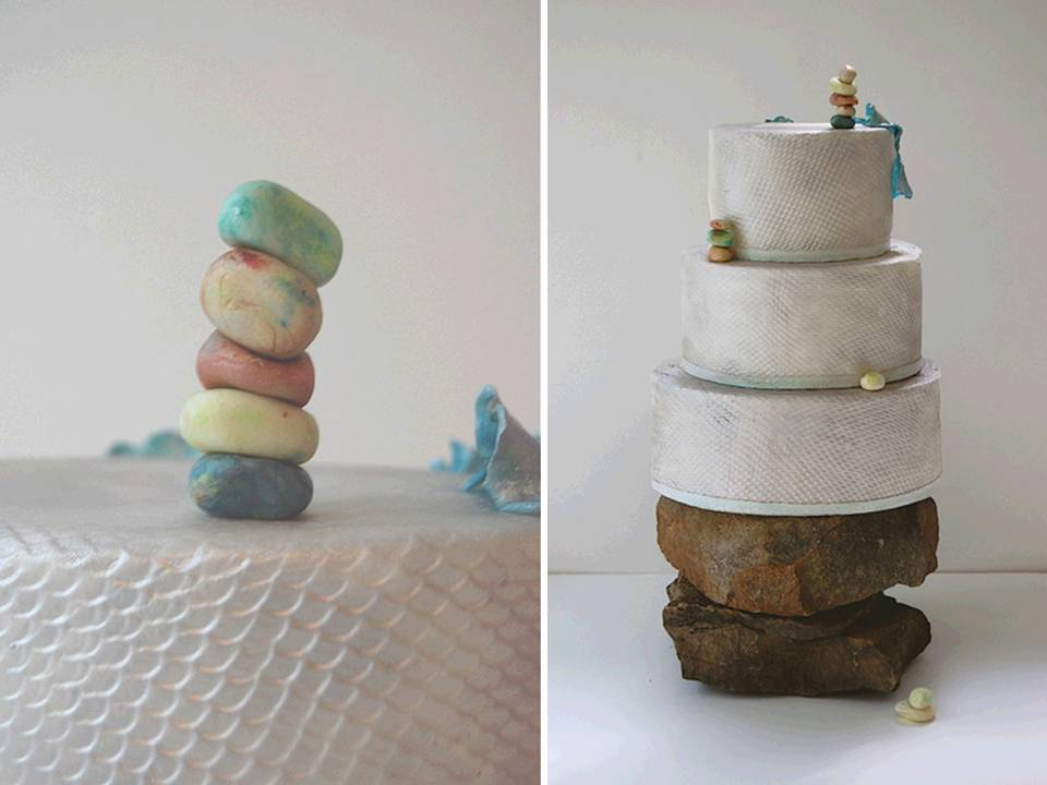Ivory Wedding Cakes And Petit Fours For You Romantic Wedding Reception