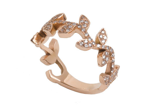 Engagement-ring-nature-inspired-design-gold-diamonds.full