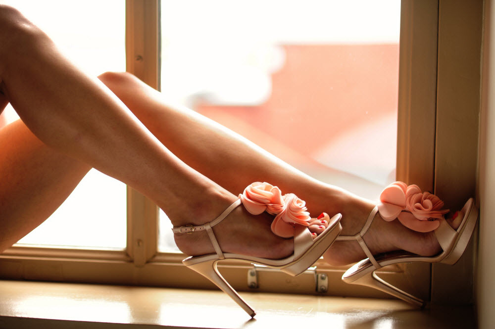 Bridal-boudoir-artistic-wedding-photography-pink-bridal-heels.full