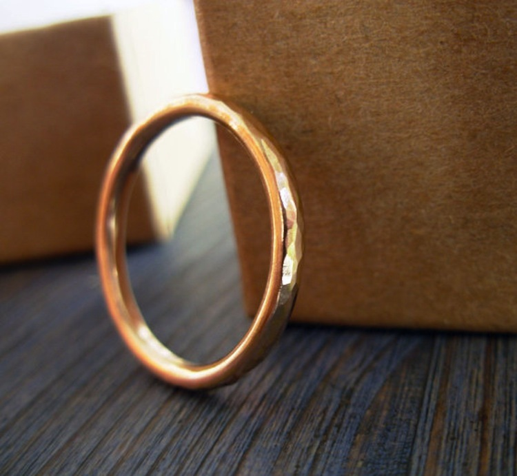 Hammered_rose_gold_ring.full