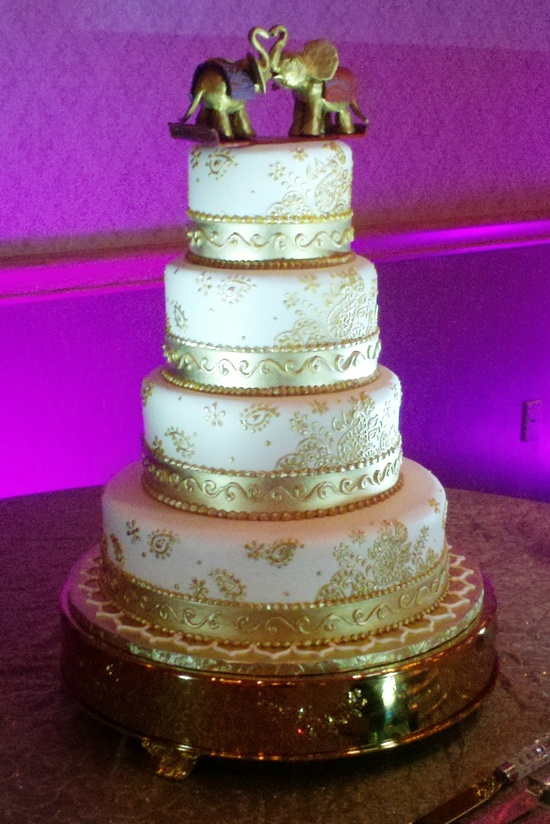 2013-Jan-gold-cake-purple-lighting