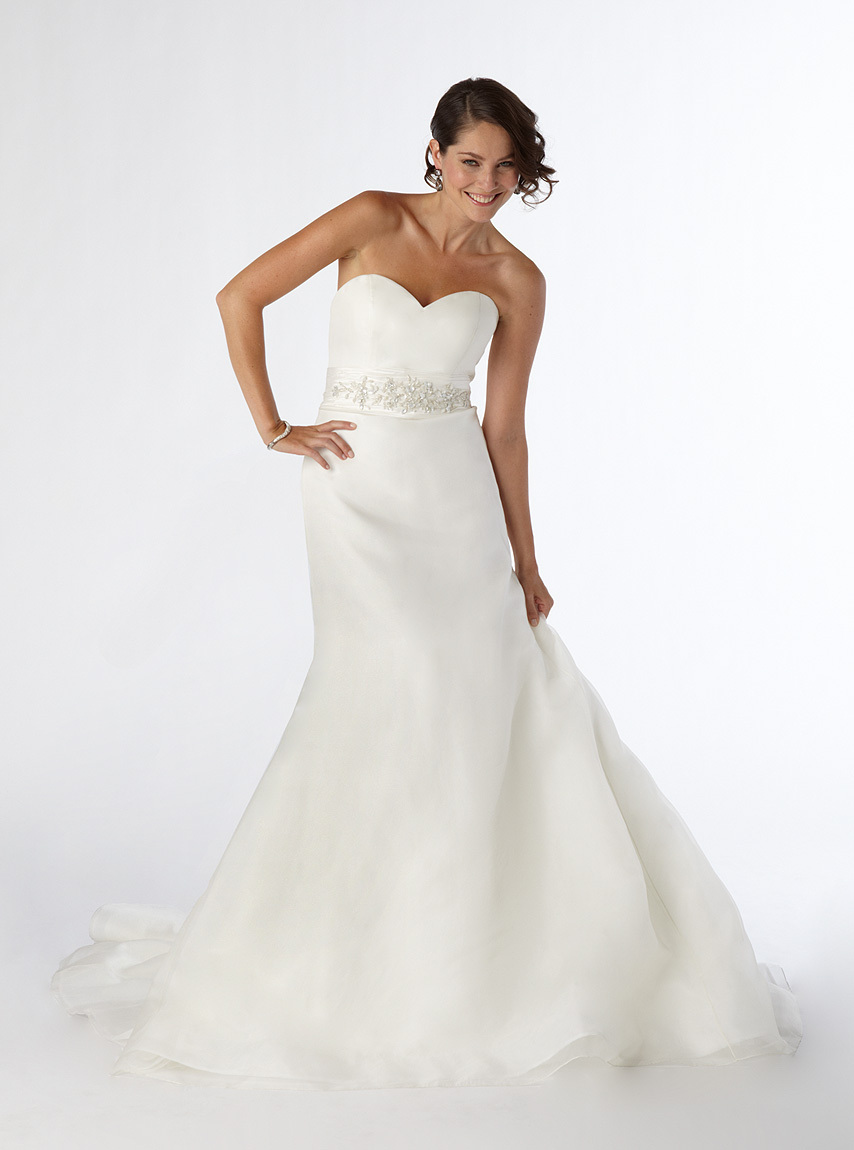 C1206-2011-wedding-dress-kirstie-kelly-white-sweetheart-mermaid.full