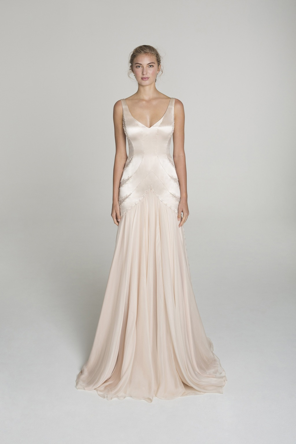 Blush_wedding_dress_from_alana_aoun.full