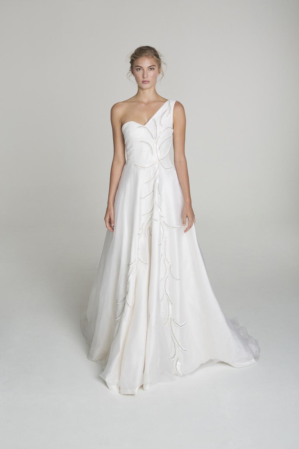 One_shoulder_wedding_dress_from_alana_aoun.full