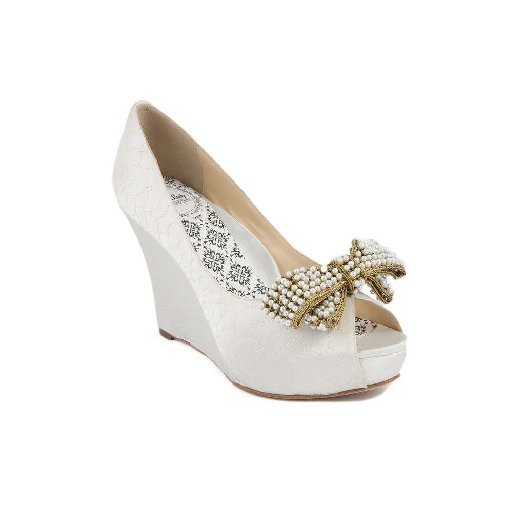 Bridal_wedges_with_bow.full