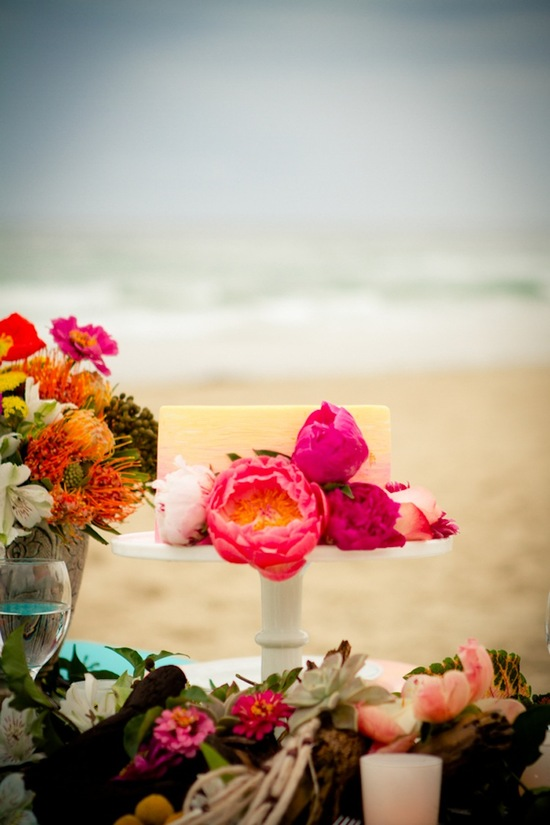 Beach reception centerpieces and cake