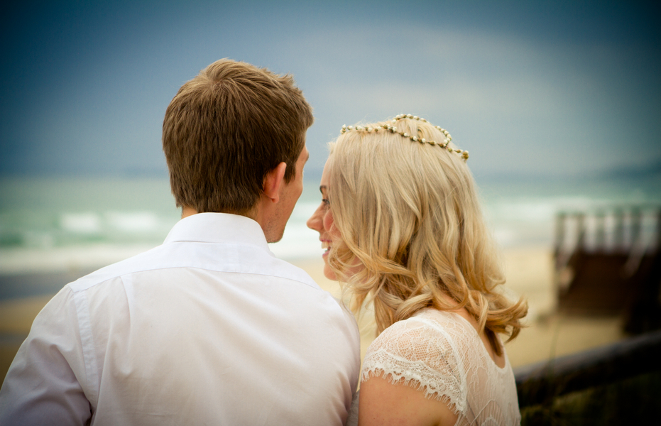 Bride_and_groom_at_a_beach_real_wedding.full