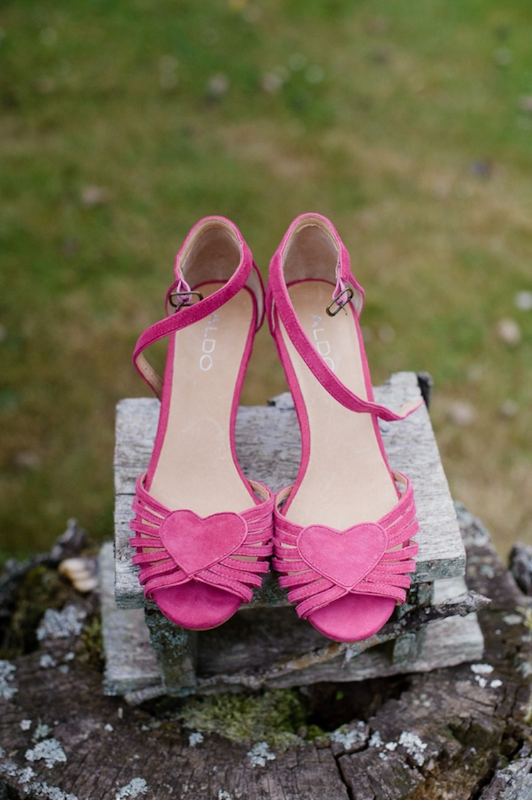 Pretty_in_pink_wedding_shoes.full