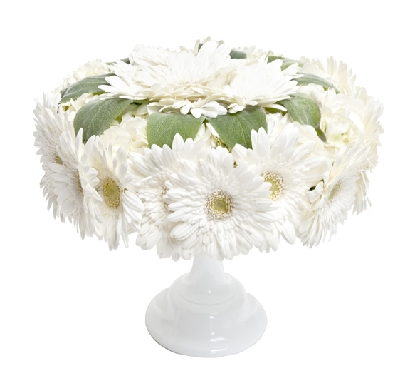 Unique Wedding Flower Centerpiece Ideas Using Cake Stands
