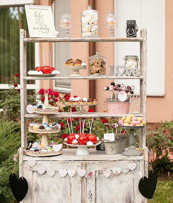Candy Bar For Wedding Ideas: Rustic_Candy_Bar_Ideas_Piece_of_Cake_Wedding_Decor