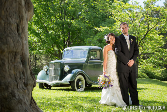 Vintage Truck Wedding Phtoo