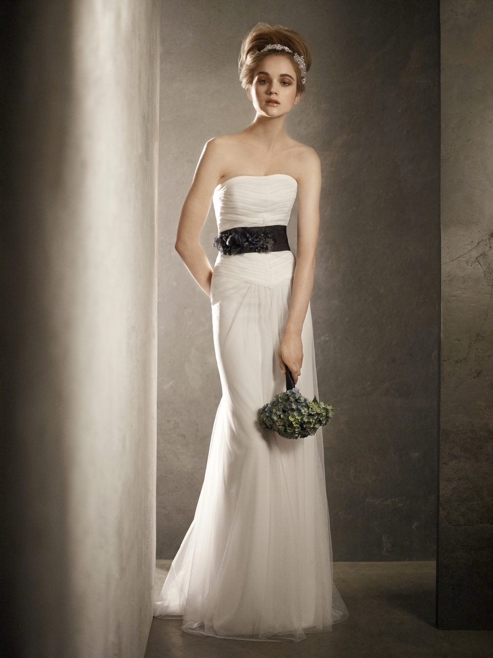 Strapless White Modified Mermaid 2011 Wedding Dress With Black