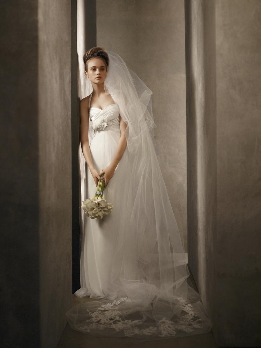 2011-wedding-dresses-vera-wang-white-vw351002-romantic-ivory-empire.full