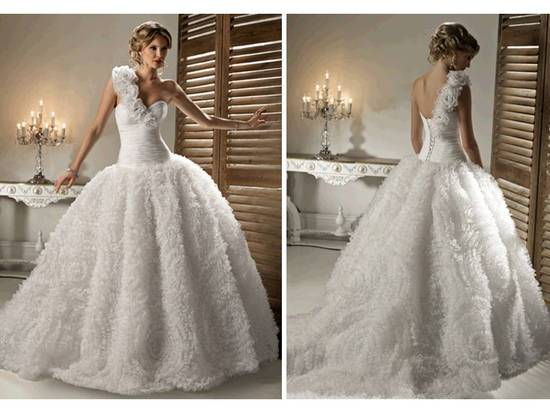 Ivory ballgown 2011 Lazaro wedding dress with tailored corset and chic bridal belt