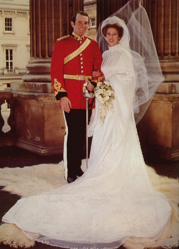 photo of Royal Wedding Dresses of Great Britain: Princess Anne