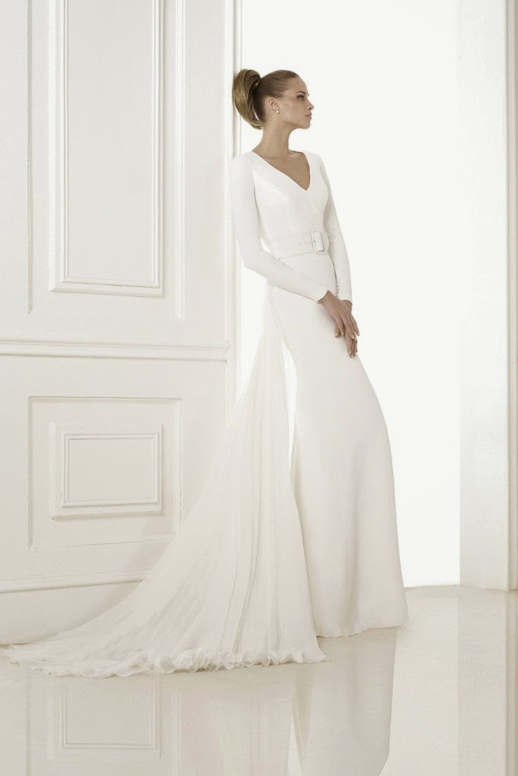 Minimalist_wedding_gown_from_pronovias.full