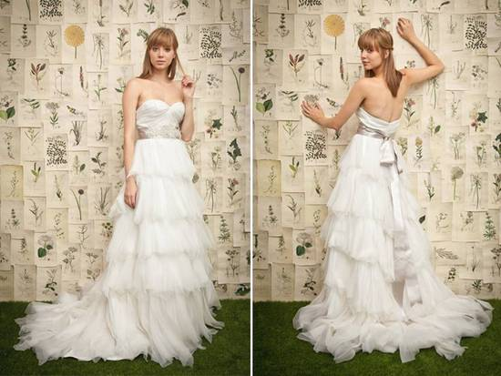 Chic sweetheart neckline ruffled a-line skirt wedding dress with bridal belt