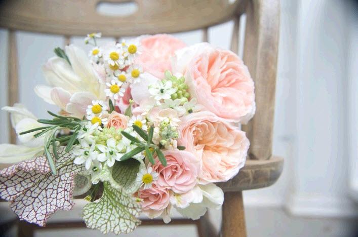 2011-wedding-flower-trends-bridal-bouquet.full