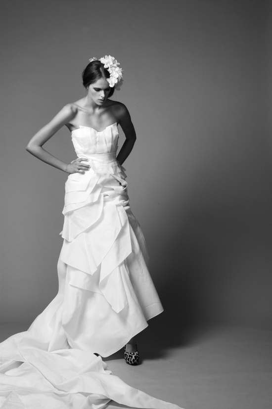photo of Textured white sweetheart neckline 2011 wedding dress