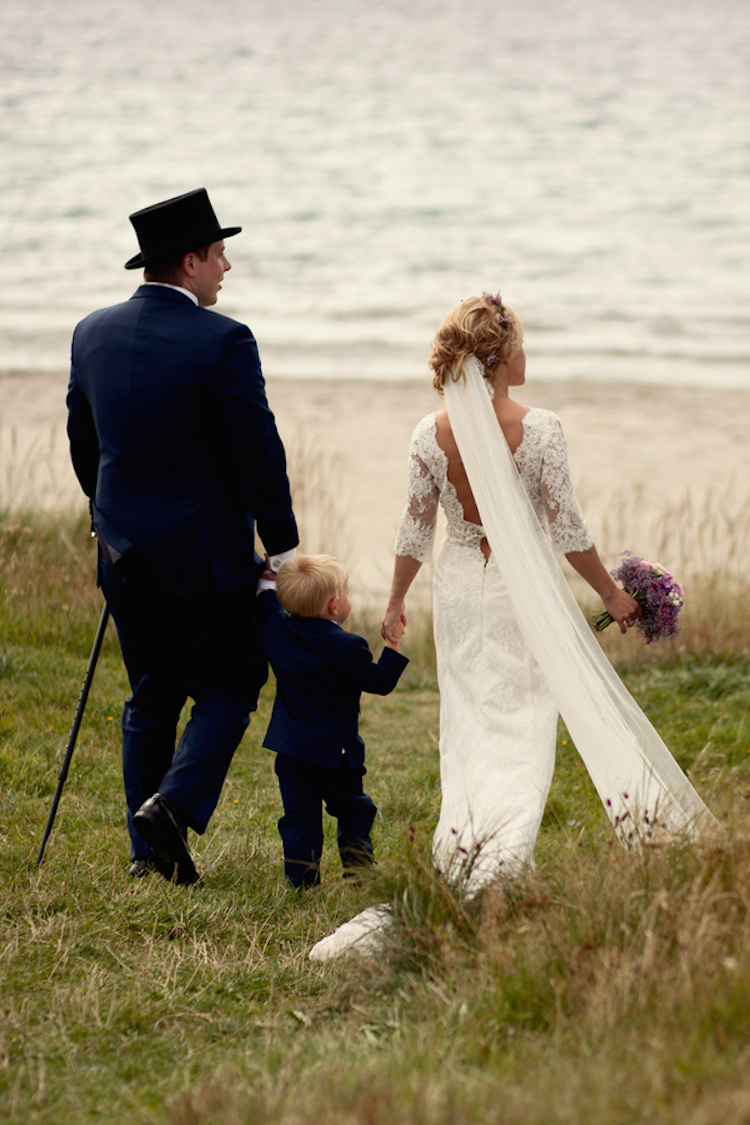 Real_wedding_on_the_coast_of_norway.full