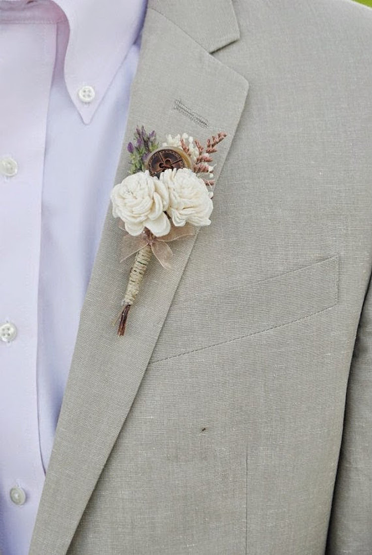 Grooms_boutonniere_from_williiam_and_willow.full