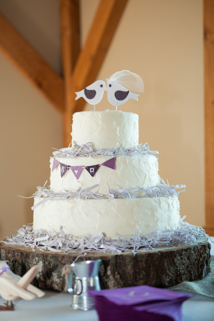 wedding cake with love birds rustic birds wedding cake onewed 26923