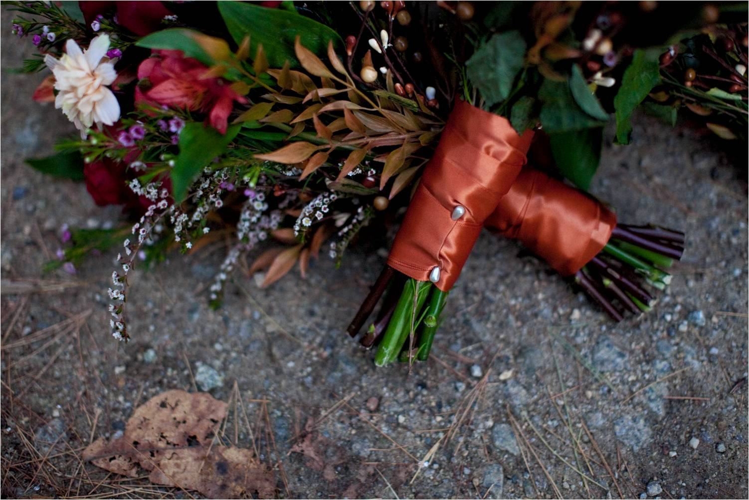 Outdoor-real-wedding-fall-rustic-new-hampshire-bridal-bouquets-bridesmaids-flowers.original