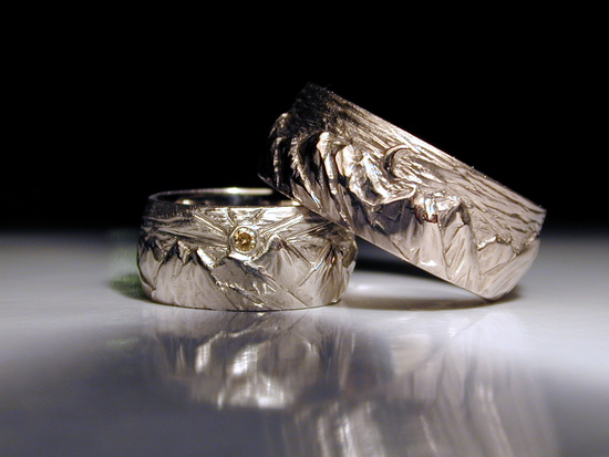 Carved mountain wedding rings
