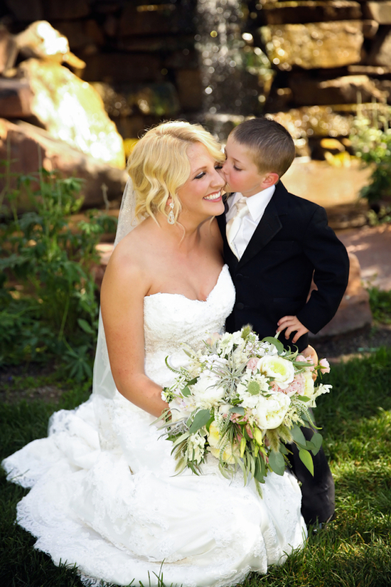 Kisses from the ring bearer