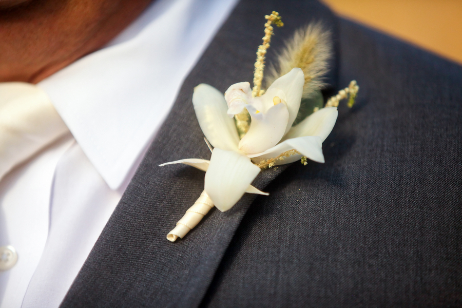 White_lily_grooms_boutonniere.full