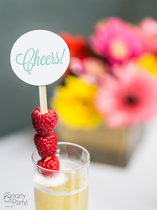 Setting-up-a-mimosa-bar-cheers-with-smarty-had-a-party