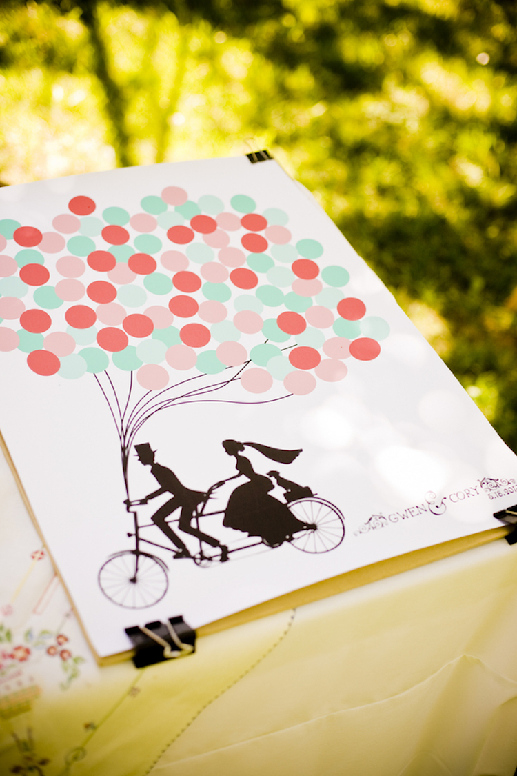 Guest_book_with_balloons.full