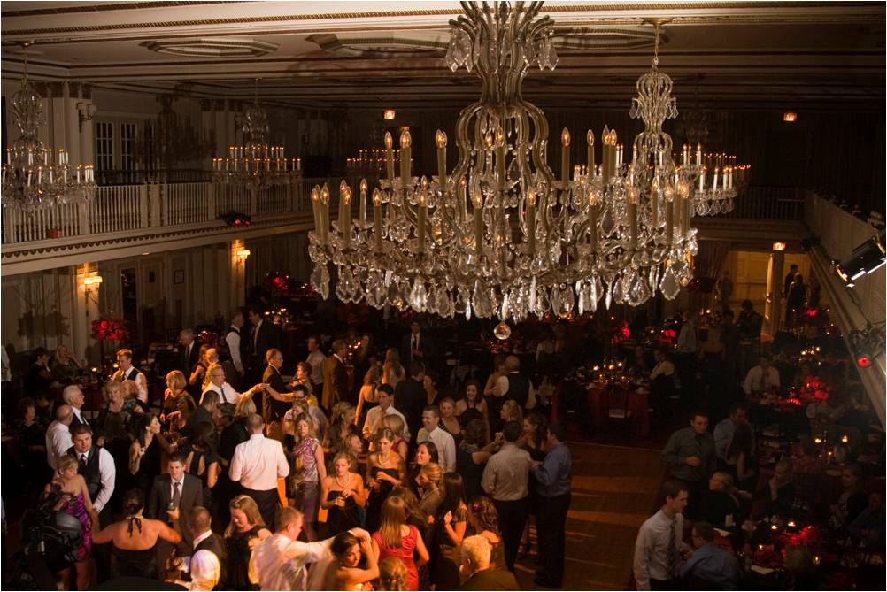 Stunning-chicago-wedding-reception-venue-decor-the-drake-opulent-chandelier-packed-dance-floor.original