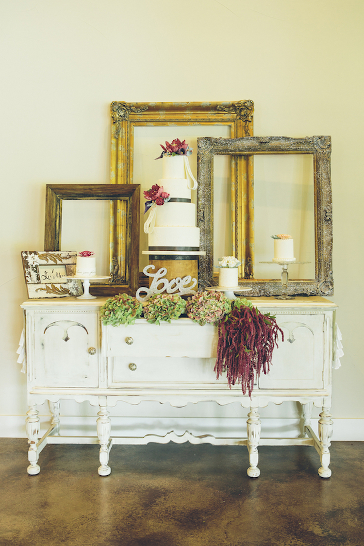 Cake_table_with_frame_decor.full