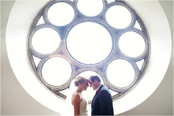 Artistic-wedding-photography-modern-style-bride-groom-couples-photos.full