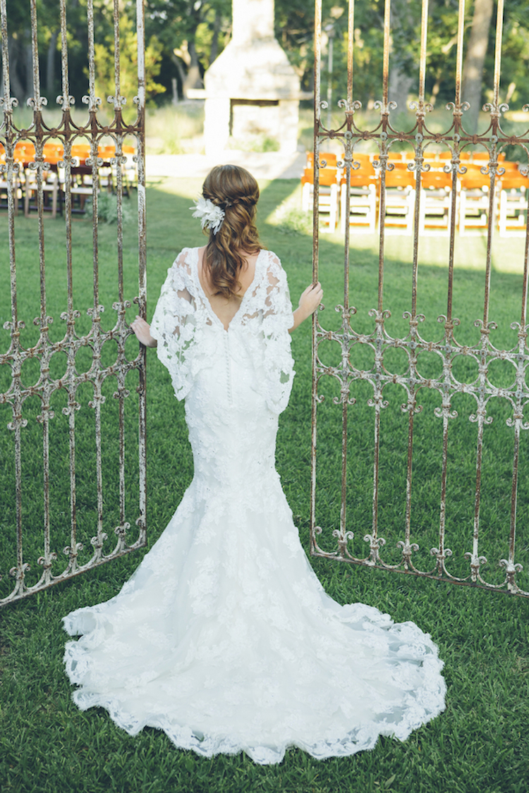 Lace_wedding_dress_with_train.full