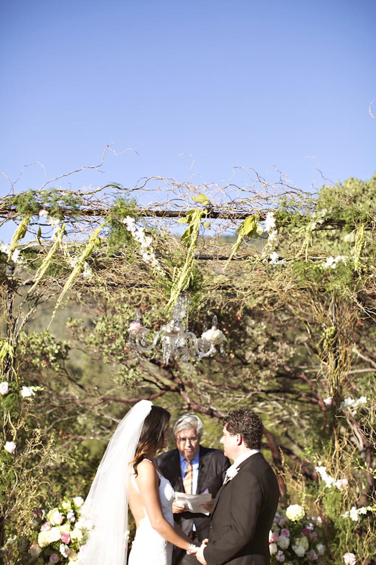 Gorgeous_winery_ceremony_arbor.full