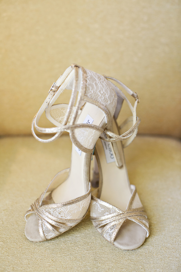 Lace_bridal_shoes.full