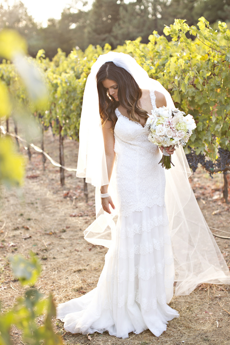 Lace_wedding_dress_for_a_vineyard_wedding.full