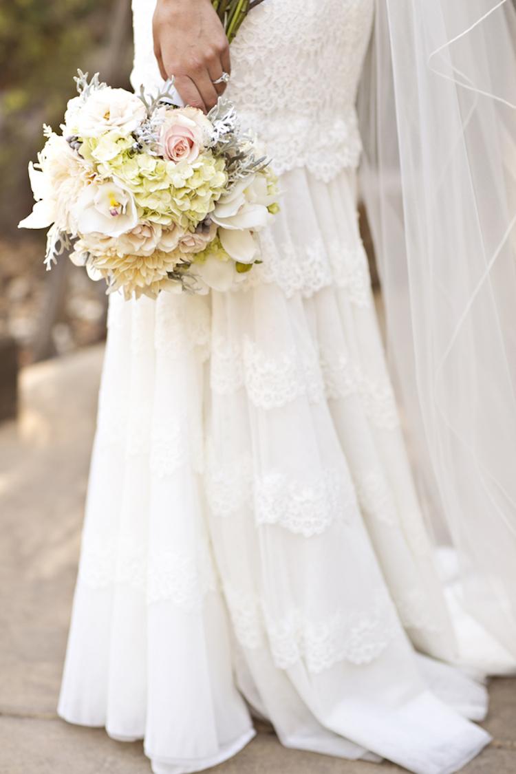 Lovely_bridal_bouquet.full