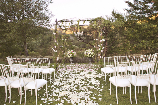 Romantic summer ceremony decor